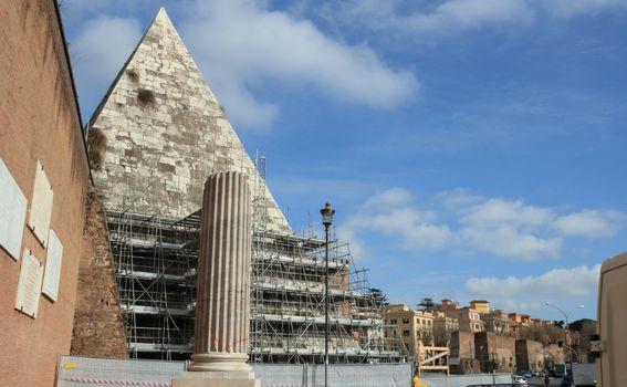 Cestijeva piramida u Rimu - 1