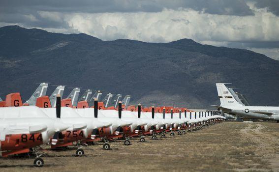 Groblje aviona - 2