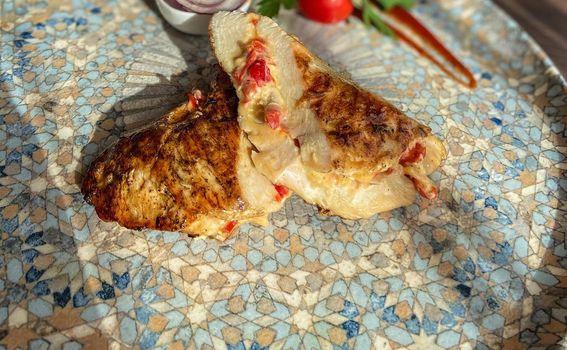 Pileći file punjen domaćim sirevima i povrćem - specijalitet kuće