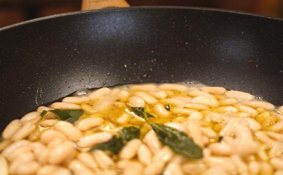 Master jela za 15 min: Fagioli all\'uccelletto - 17