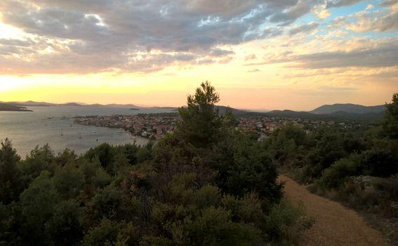 Brdo Makirina, Pirovac