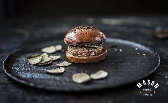 Butter burger s tarfufima