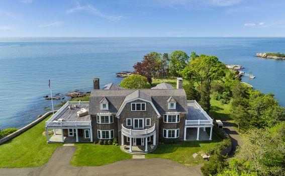 Otok dolazi i s luksuznim domom