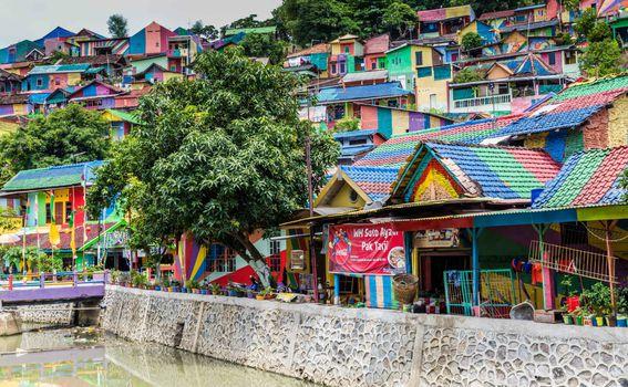 Dugino selo u Indoneziji, Kampung Pelangi - 2
