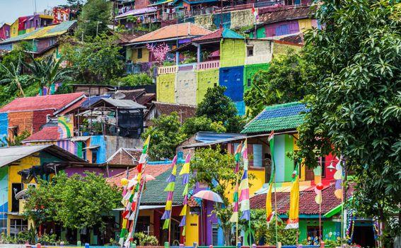 Dugino selo u Indoneziji, Kampung Pelangi - 3