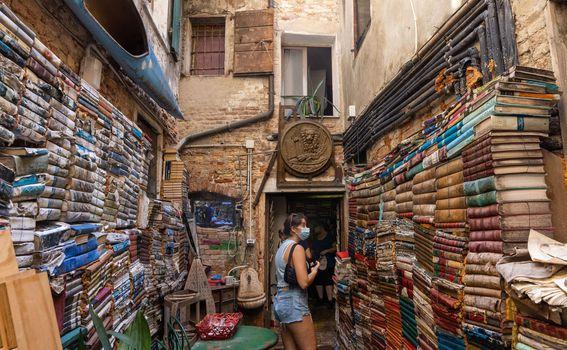 Libreria Acqua Alta, Venecija - 1