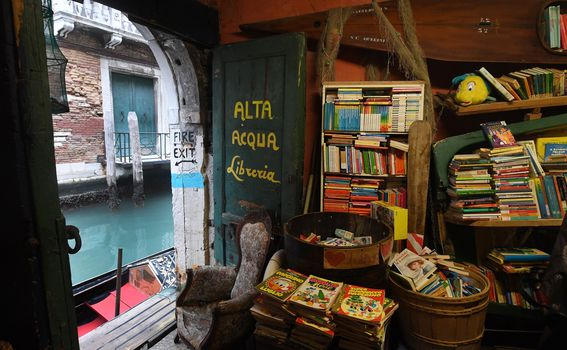 Libreria Acqua Alta, Venecija - 2