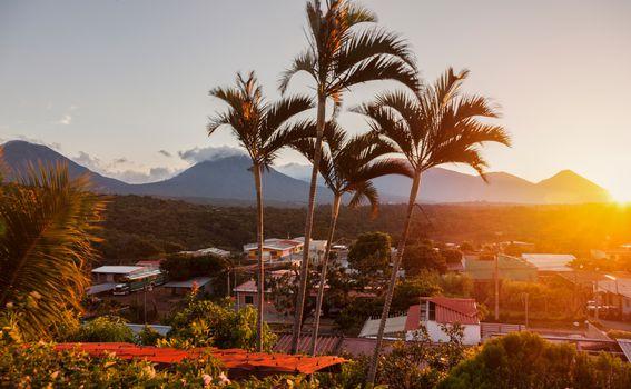 Salvador nazivaju i zemljom vulkana