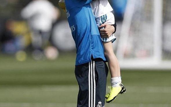Luka Modrić preslatkim fotografijama čestitao rođendan kćerkici: Čestitale joj i brojne slavne face