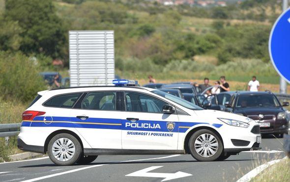 Jedna osoba poginula u prometnoj nesreći u Stankovcima (Foto: Dino Stanin/PIXSELL) - 9