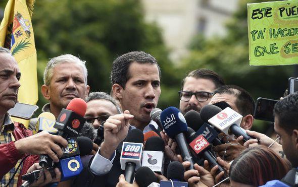 Maduro zatvorio granicu s Brazilom, Guaido krenuo prema granici s Kolumbijom