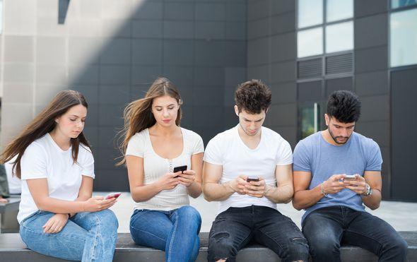 Ovisnost o telefonima (Foto: Thinkstock)