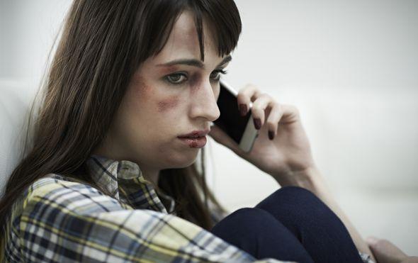 Žrtva obiteljskog nasilja traži pomoć, ilustracija (Guliver/Thinkstock)