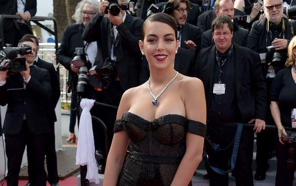 Postala je slavna zahvaljujući vezi s Ronaldom, a sad ju svi žele: Georgina pokorila Cannes u seksi izdanju!