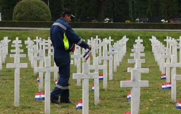kisa nije nikoga obeshrabrila ljudi iz svih krajeva hrvatske pristizu u vukovar