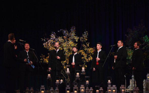vrhunskim koncertom proslavljen 10 susret klapa martinovo lito u korculi
