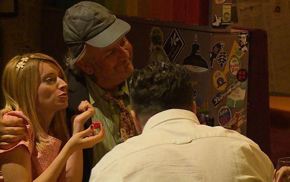 Simpatični glumac odlično se snašao u ulozi tajnog agenta u seriji ''Ne diraj mi mamu'' (Foto: Dnevnik.hr) - 1