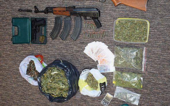 Uhvaćena dvojica dilera na području Križevaca: Zaplijenjena marihuana, oružje i novac