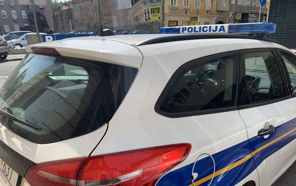 Prošla kroz crveno na semaforu u Sarvašu i pokosila dvije djevojčice na pješačkom prijelazu