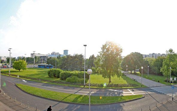 Bandić polaže kamen temeljac za Spomenik domovini ispred Lisinskog