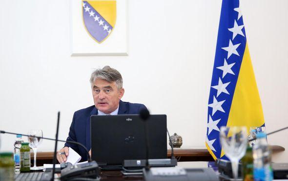 Dodik želi ukidanje jedinstvene vojske BiH i formiranje vojske RS, a Komšić ga optužuje za pobunu