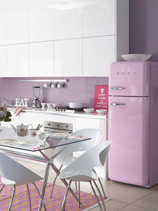 Pastelna ružičasta u kuhinji - zašto ne?
