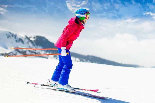 Žena skija