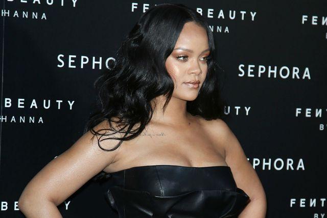 Rihanna u kožnatoj haljinici na predstavljanju svoje nove make-up kolekcije \'Fenty Beauty\' - 3