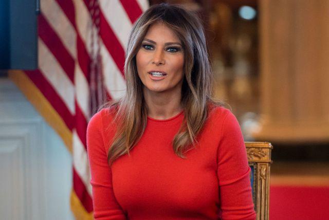 Melania Trump u traper-suknji - 3