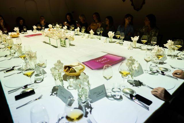 Na ekskluzivnoj i prvi put predstavljenoj 3D mapping večeri u restoranu Dubravkin put, Vichy je predstavio četiri linije svojih proizvoda - 7