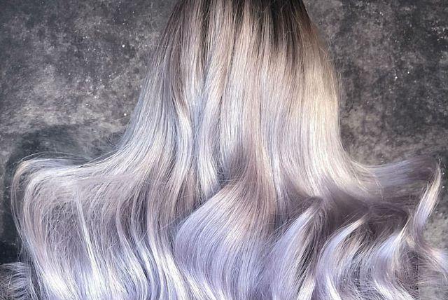 Kombinacija sive i boje lavdande novi je trend u bojenju kose