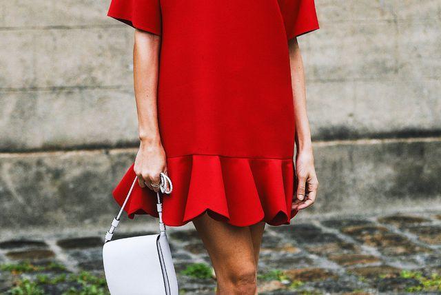 Neki modeli haljina izgledaju sjajno u kombinaciji sa skinny trapericama