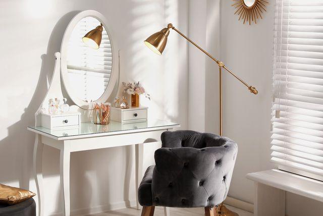 Toaletni stolić zgodan je dodatak domu