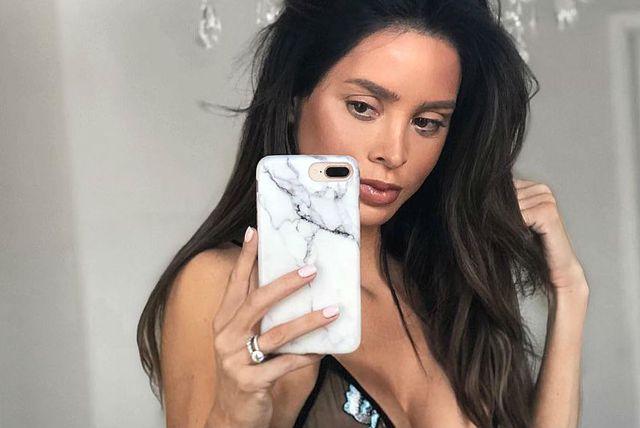 Fitness model Sarah Stage objavila je fotografiju u donjem rublju dva mjeseca nakon poroda
