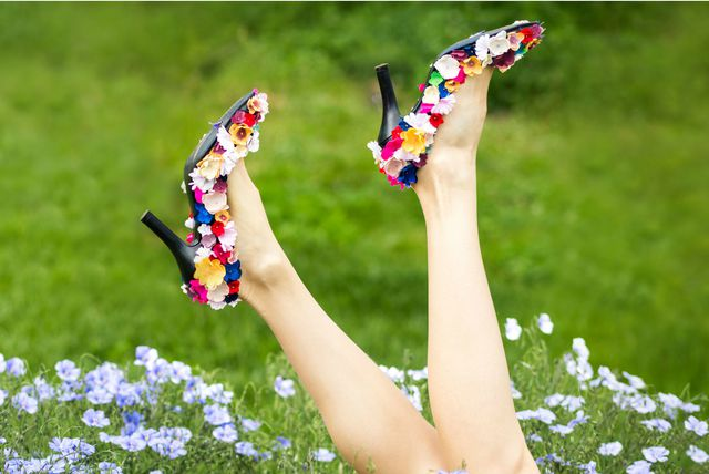 Cipele na visoku potpeticu s cvjetnim dezenom - 2