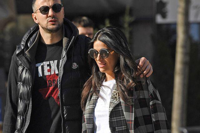 Lijepa trudnica Antonia Bozza i njen suprug Danijel Subašić prošetali su centrom Zagreba - 4