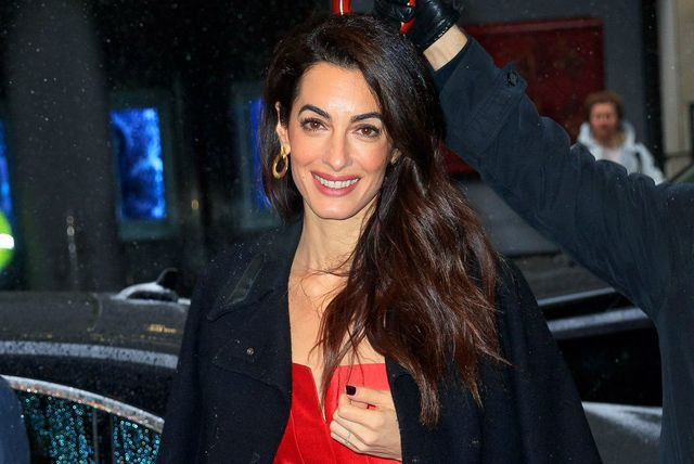 Amal Clooney u \'riskantnom\' odjevnom komadu - 1