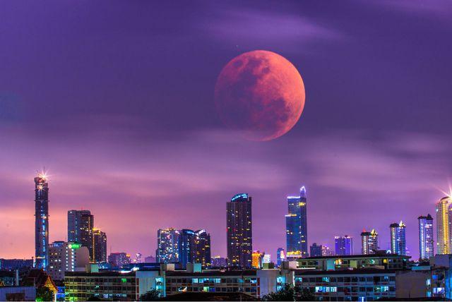 'Krvavi Mjesec' iznad Bangkoka