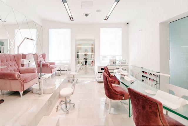Zagrebački salon ljepote No. 26 Beauty Lounge klijentima nudi usluge uz uz kavu, čaj ili džin limunadu za potpuno opuštanje - 13