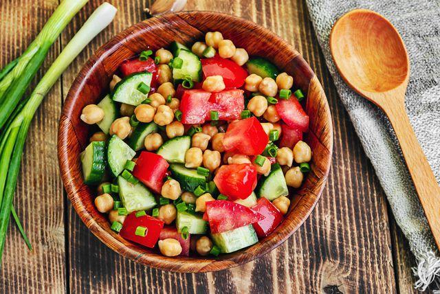 Salata sa slanutkom