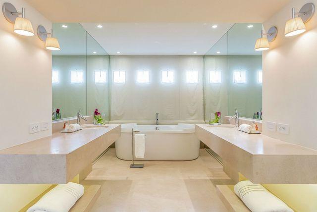 Luksuzne i raskošne kupaonice u domovima slavnih zvijezda - 4