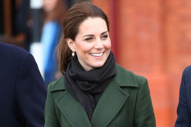 Catherine Middleton u čizmama s tankom visokom potpeticom - 7