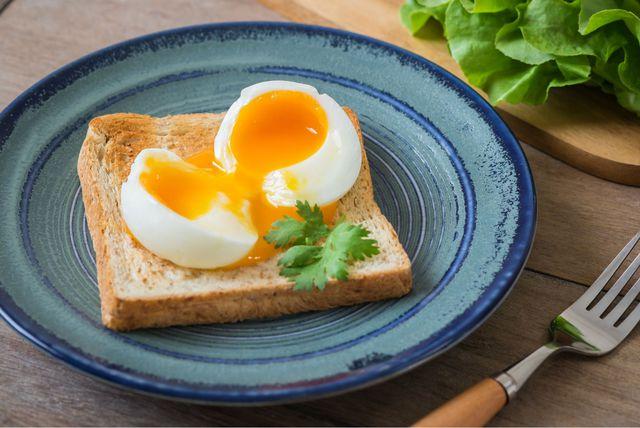 Meko kuhano jaje na tostu