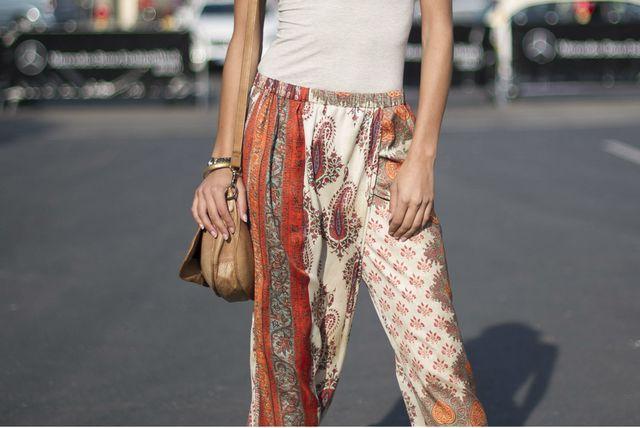 Udobne hlače širokih nogavica iz trgovina - 1