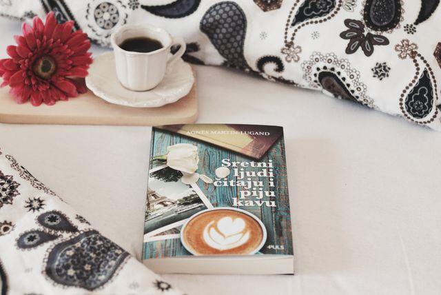 Prvijenac Agnès Martin-Lugand zove se 'Sretni ljudi čitaju i piju kavu'