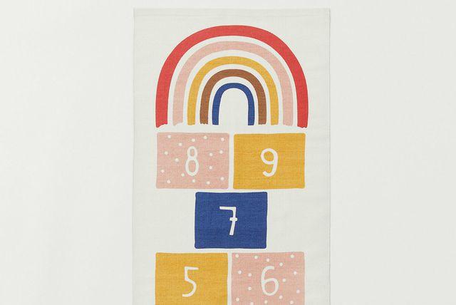 Tepih iz H&M-a na kojem se može igrati školica - 2