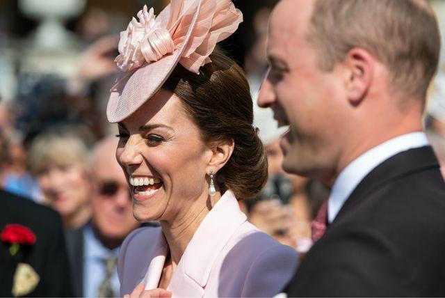 Vojvotkinja i vojvoda od Cambridgea na vrtnoj zabavi u Buckinghamskoj palači