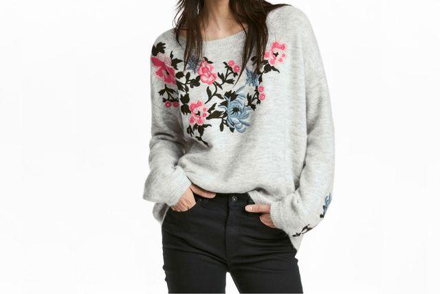 Puloveri s cvjetnim motivima iz trgovina - 5