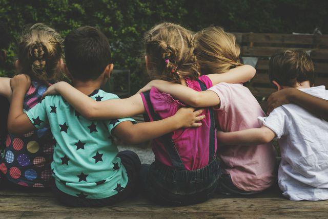 Zagrljena djeca