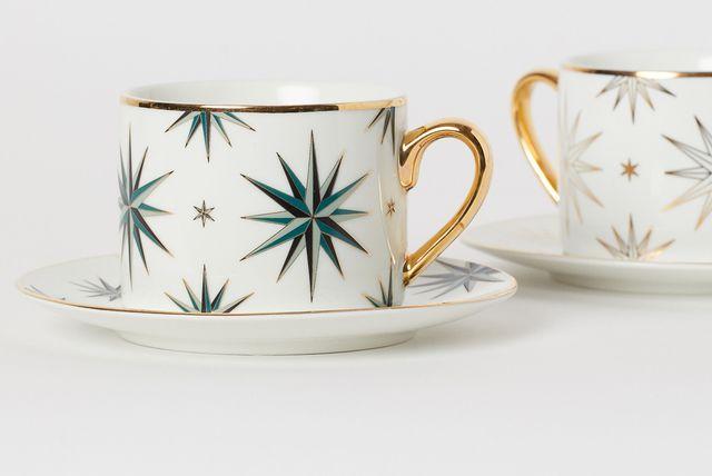 Šalice ukrašene zvijezdama u božićnom stilu iz trgovine H&M Home - 4